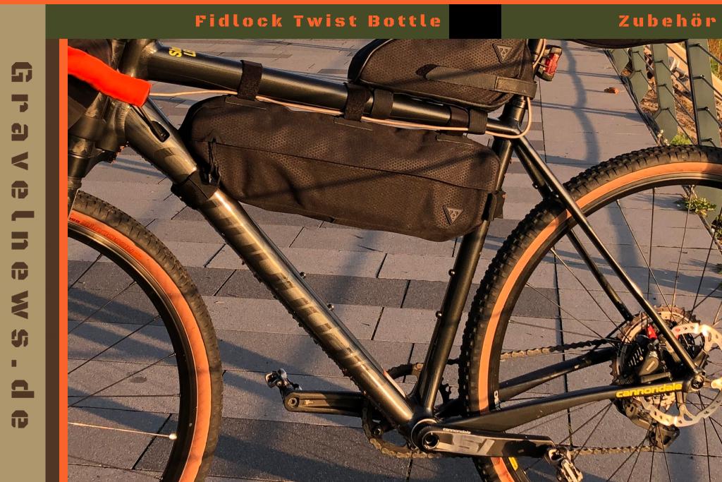 Fahrrad mit Bikepacking Taschen